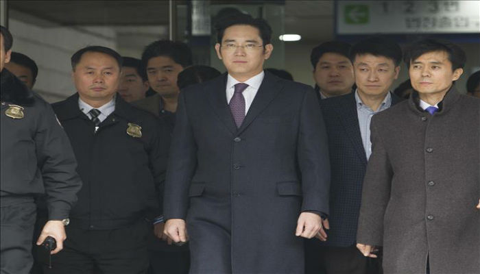 Samsung chief arrested over S.Korean scandal