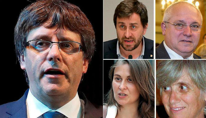 Catalan politicians turn themselves into Belgian police